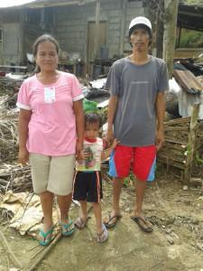 Edelito Sacay mit Eltern 7 bauder